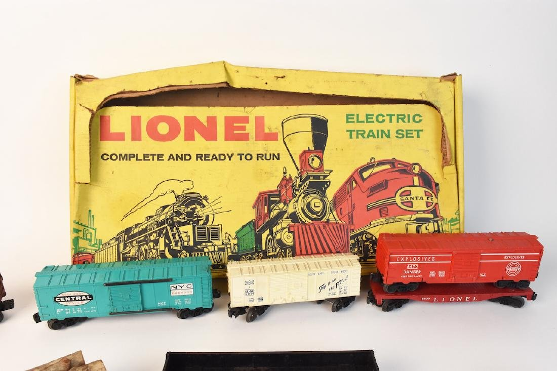 (15) Vintage Lionel Train Cars and Track - 2