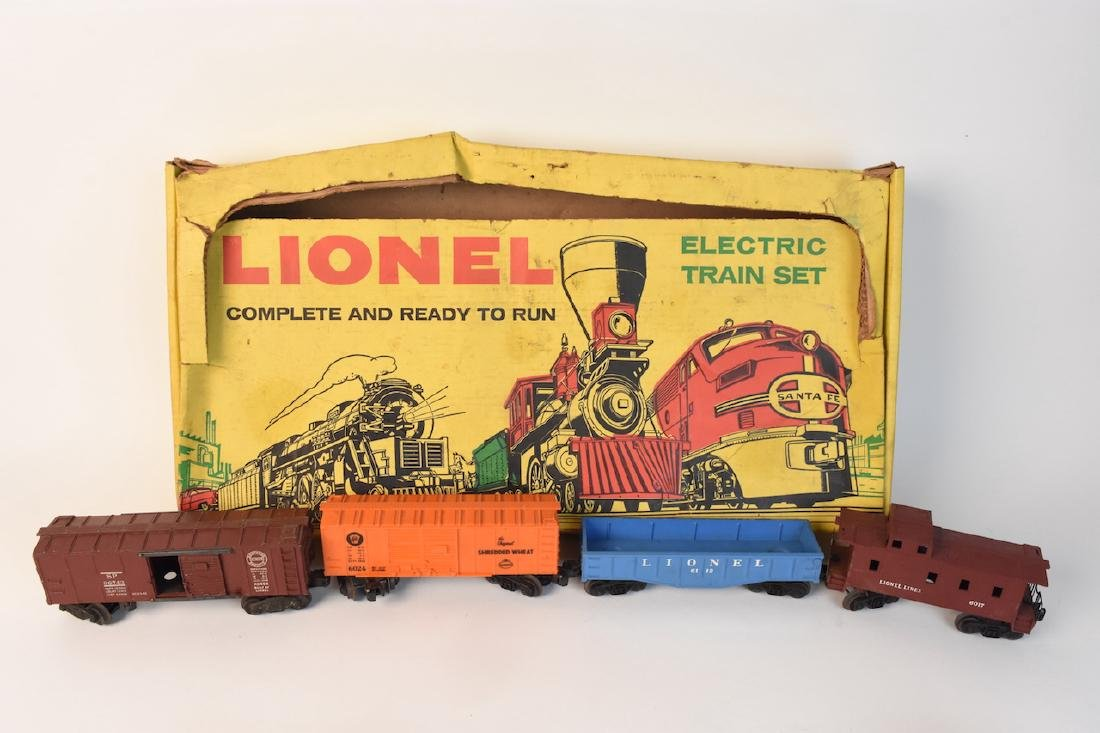 (15) Vintage Lionel Train Cars and Track - 3