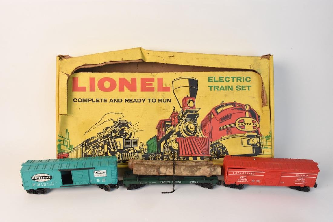 (15) Vintage Lionel Train Cars and Track - 4