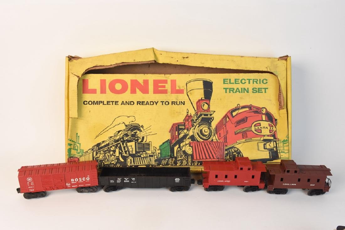 (15) Vintage Lionel Train Cars and Track - 5