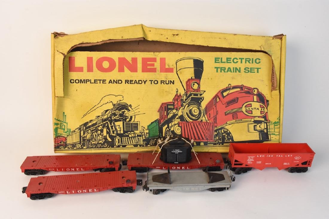 (15) Vintage Lionel Train Cars and Track - 6