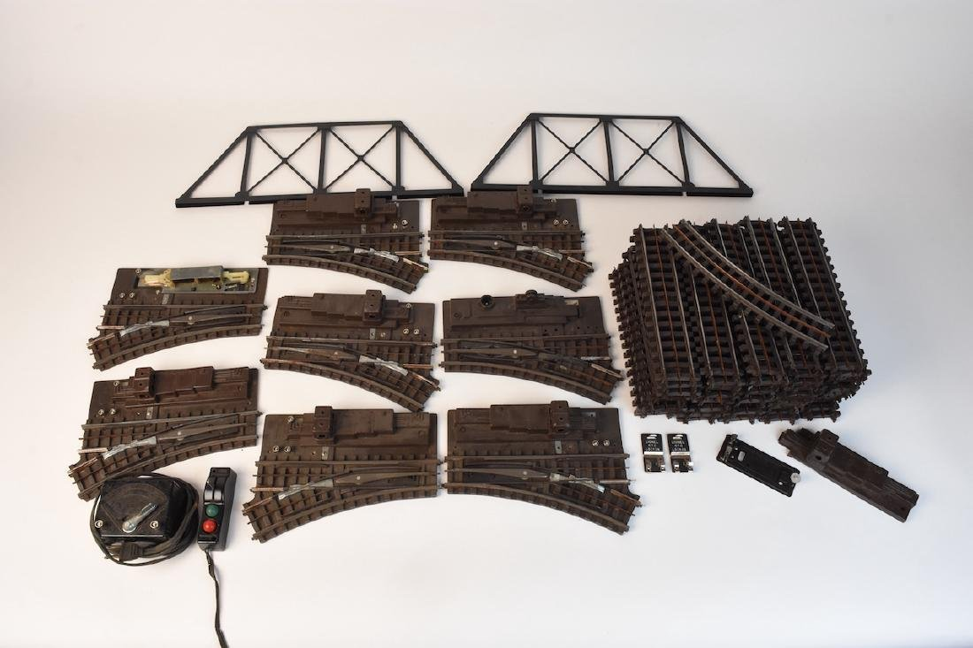 (15) Vintage Lionel Train Cars and Track - 7