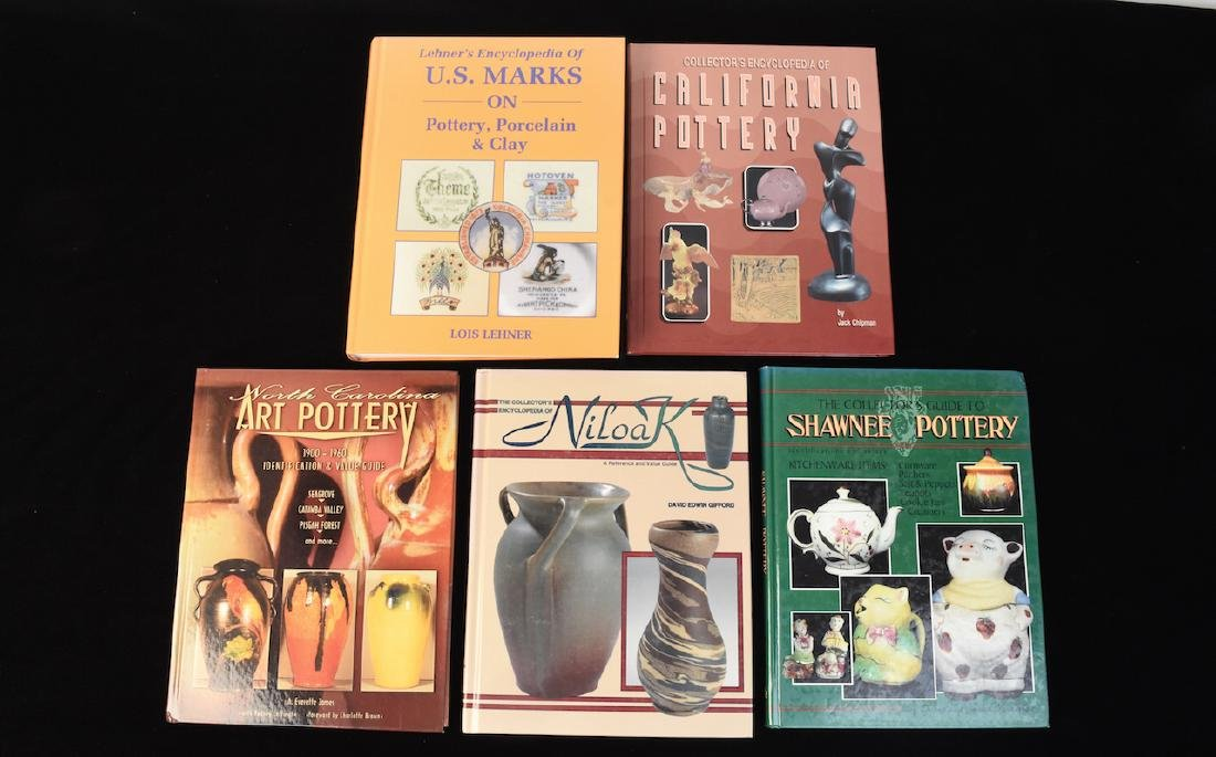 (5) Reference Guide Books to Pottery & Marks