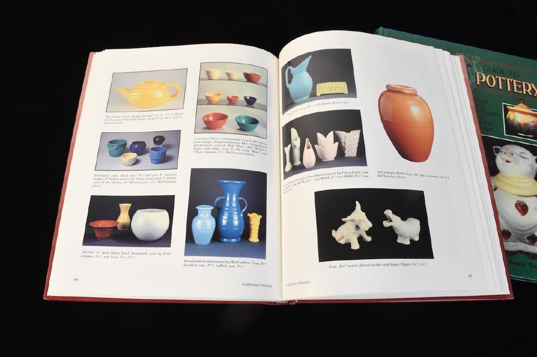 (5) Reference Guide Books to Pottery & Marks - 4