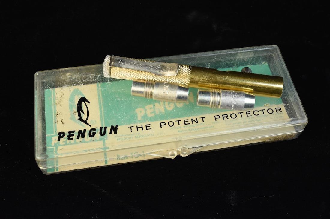 Penguin Pengun Tear Gas Kit