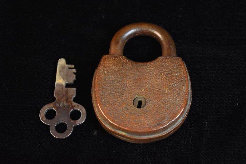 Vintage Padlocks and Keys - 7