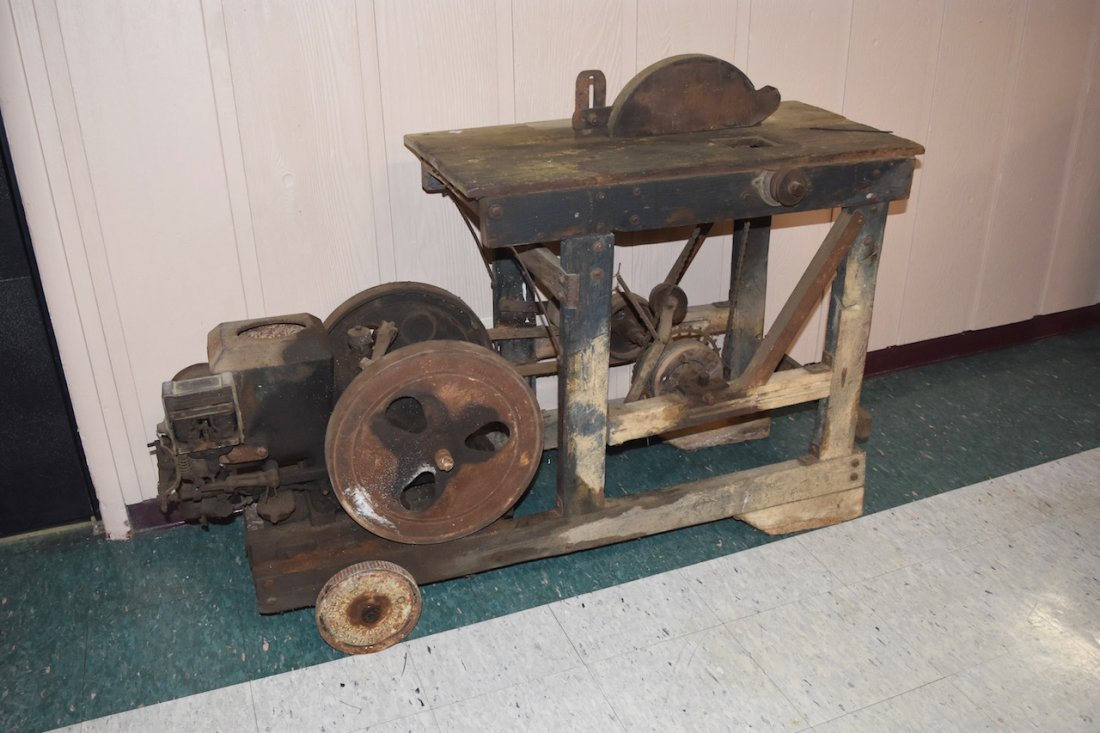 Hit & Miss Engine W/ Table Saw