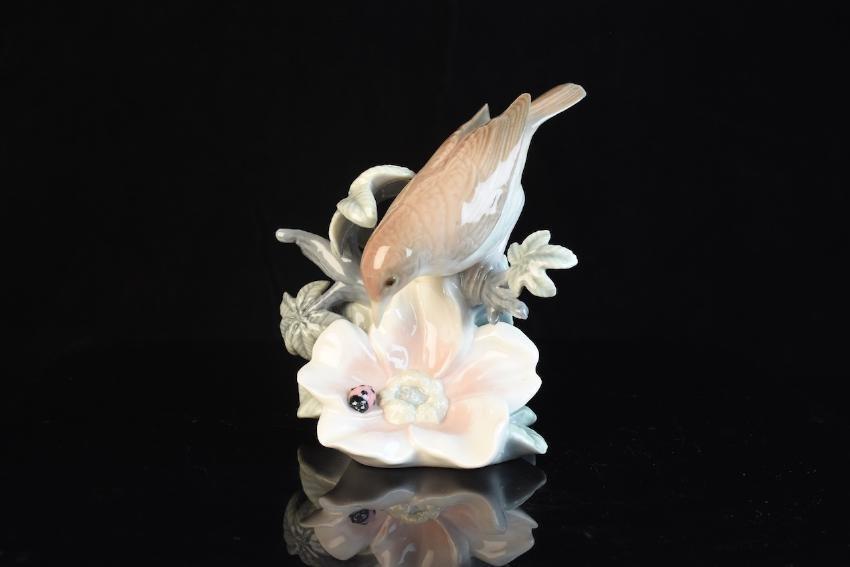 Lladro Porcelain Bird With Flower Figurine