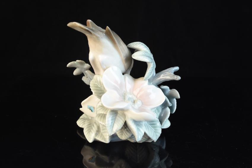 Lladro Porcelain Bird With Flower Figurine - 2