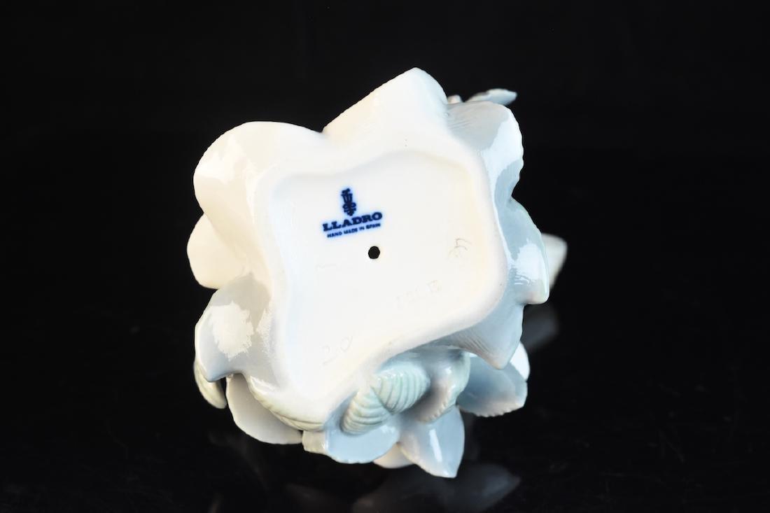Lladro Porcelain Bird With Flower Figurine - 3