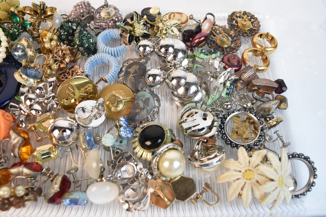 Vintage Costume Jewelry; Monet, Cora, Trifari - 3
