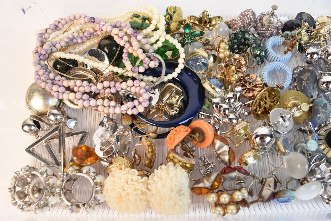 Vintage Costume Jewelry; Monet, Cora, Trifari - 4