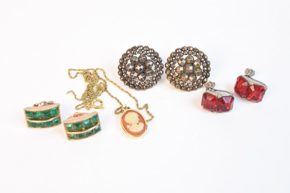 Vintage Costume Jewelry; Monet, Cora, Trifari - 8