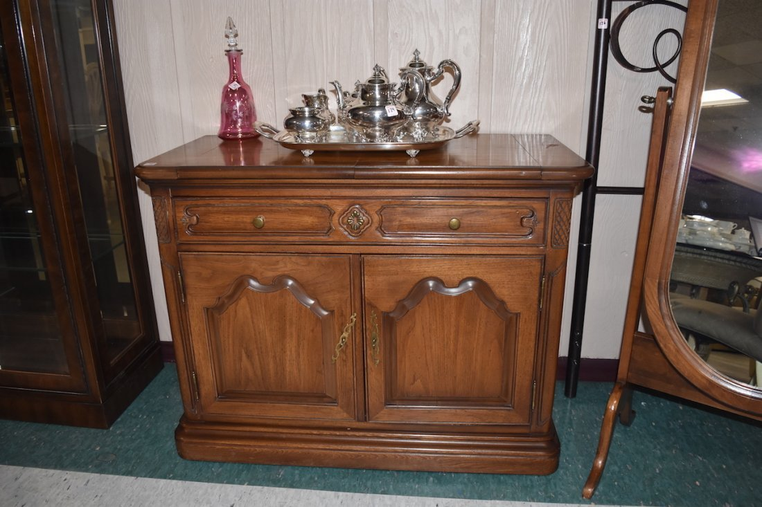 Mount Airy Mantle and Table Co. Server