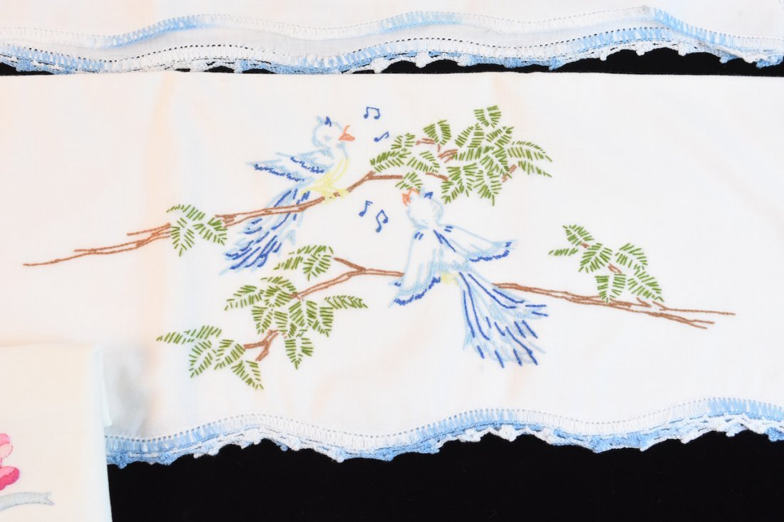 Vintage Assortment of Embroidered Linens - 3