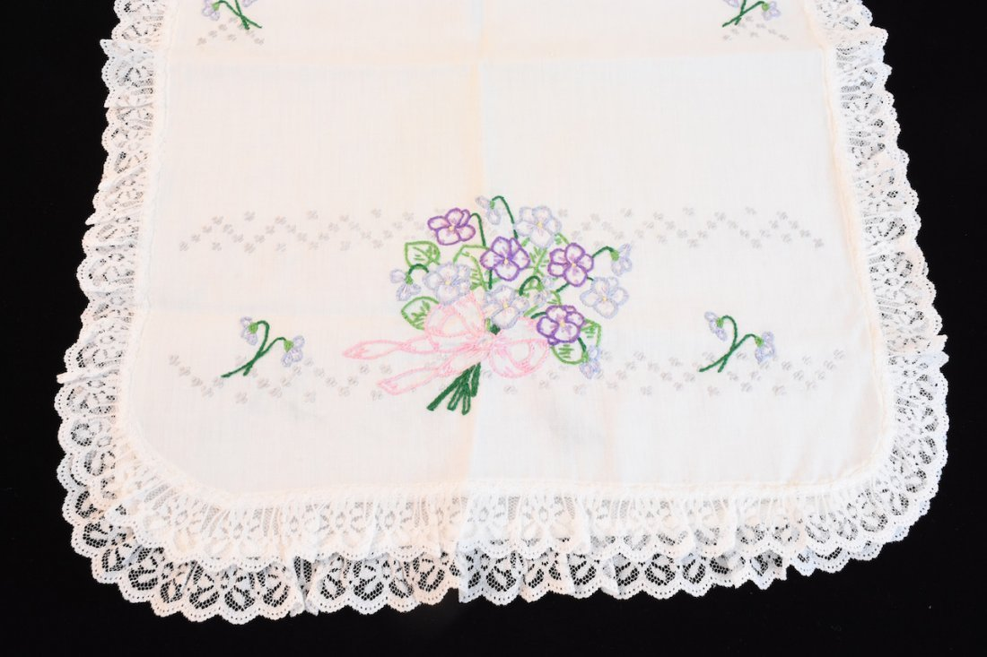 Vintage Assortment of Embroidered Linens - 5