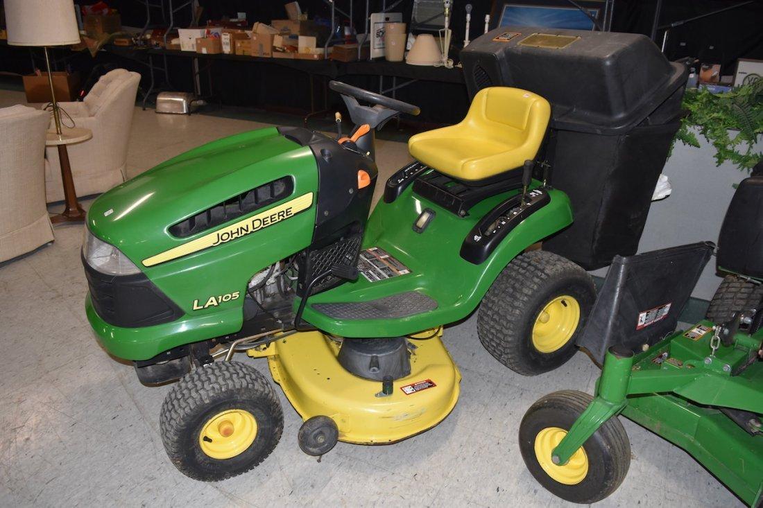 2010 John Deere LA105 Series Lawn Mower