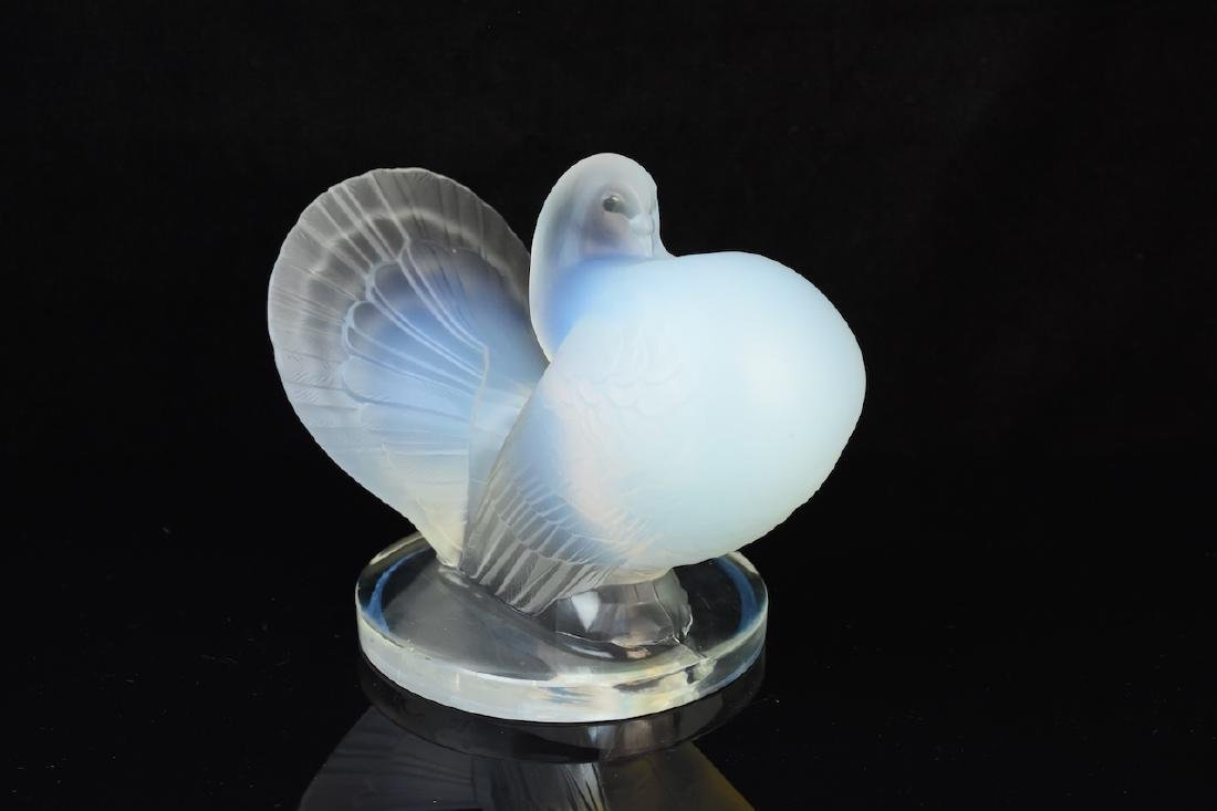 Frosted Glass Pouter Pigeon Figurine