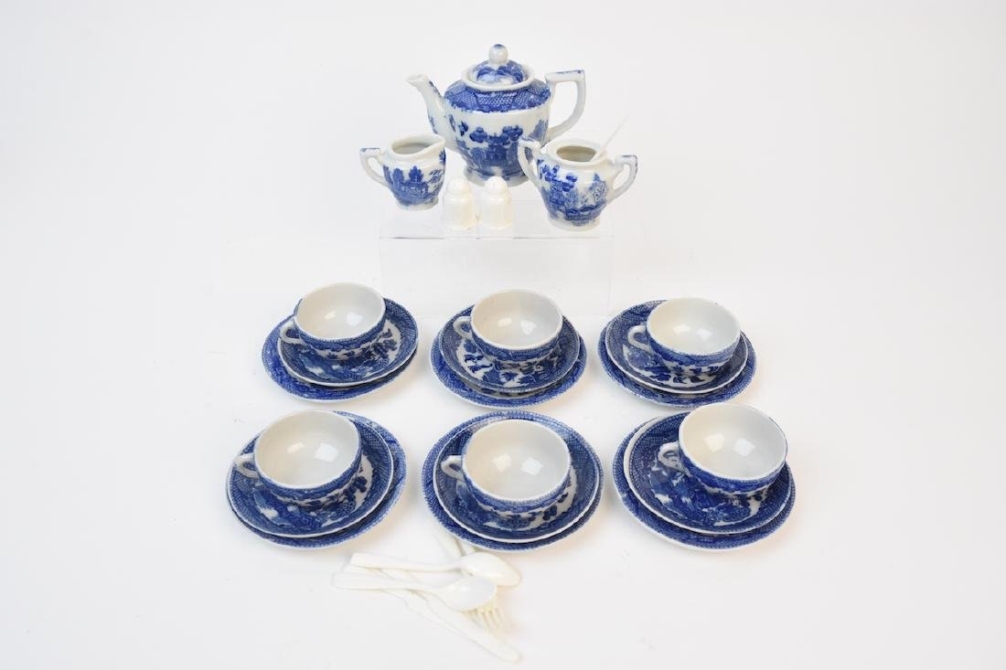 (21) Piece Child's Blue Willow Tea Set