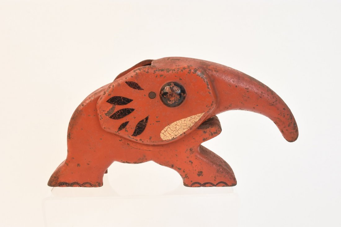Antique Elephant Nut Cracker, Vindex