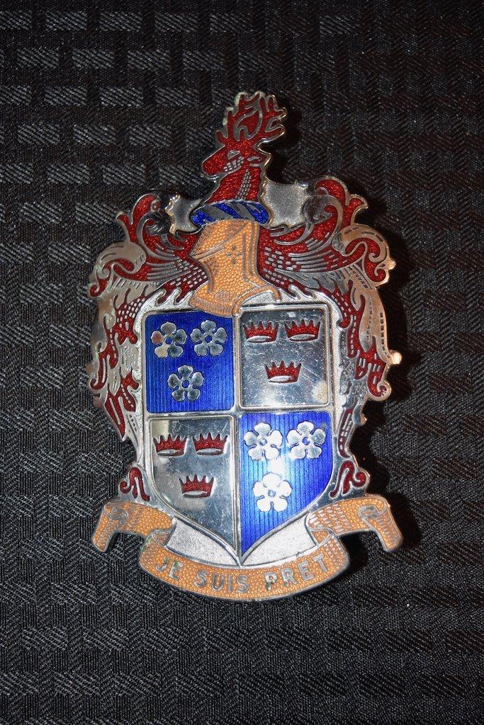 Kaiser Fraser Grill Hood Emblem Badge Je Suis Pret