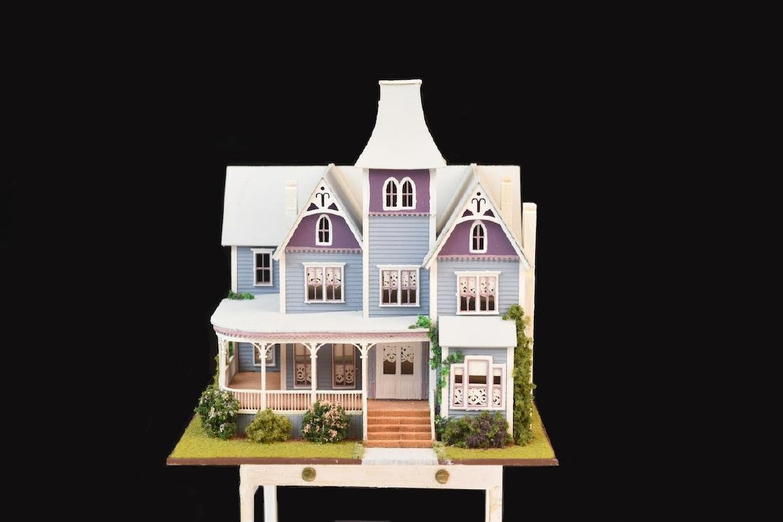 1:144 Micro Scale The Queen Anne Painted Lady - 3