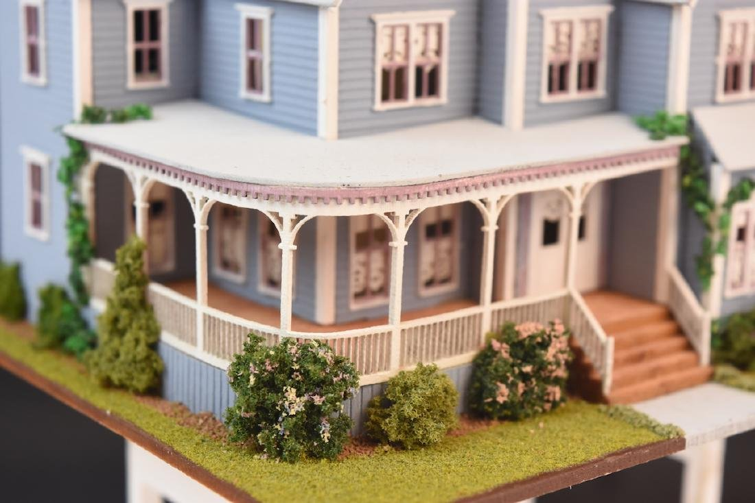 1:144 Micro Scale The Queen Anne Painted Lady - 7