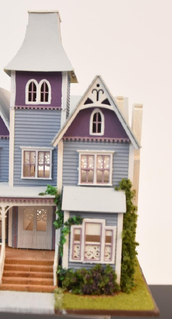 1:144 Micro Scale The Queen Anne Painted Lady - 9
