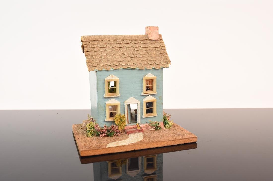 1:144 Scale Gazebo & Doll House, both assembled - 2