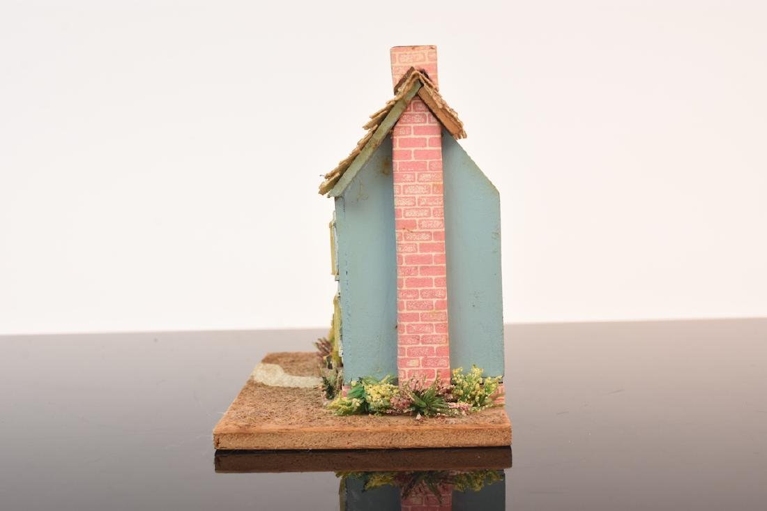 1:144 Scale Gazebo & Doll House, both assembled - 4