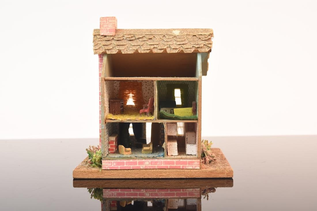 1:144 Scale Gazebo & Doll House, both assembled - 6