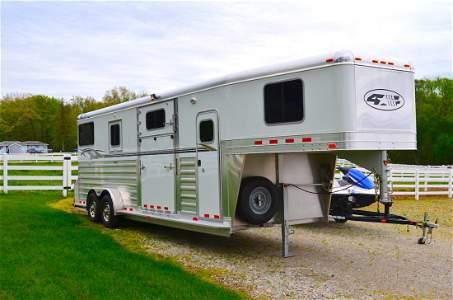 2012 FOUR STAR GOOSE NECK 2+1 MODEL HORSE TRAILER: