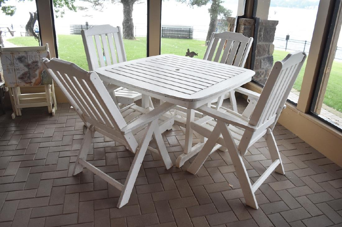 Outdoor Patio Table With (4) Chairs