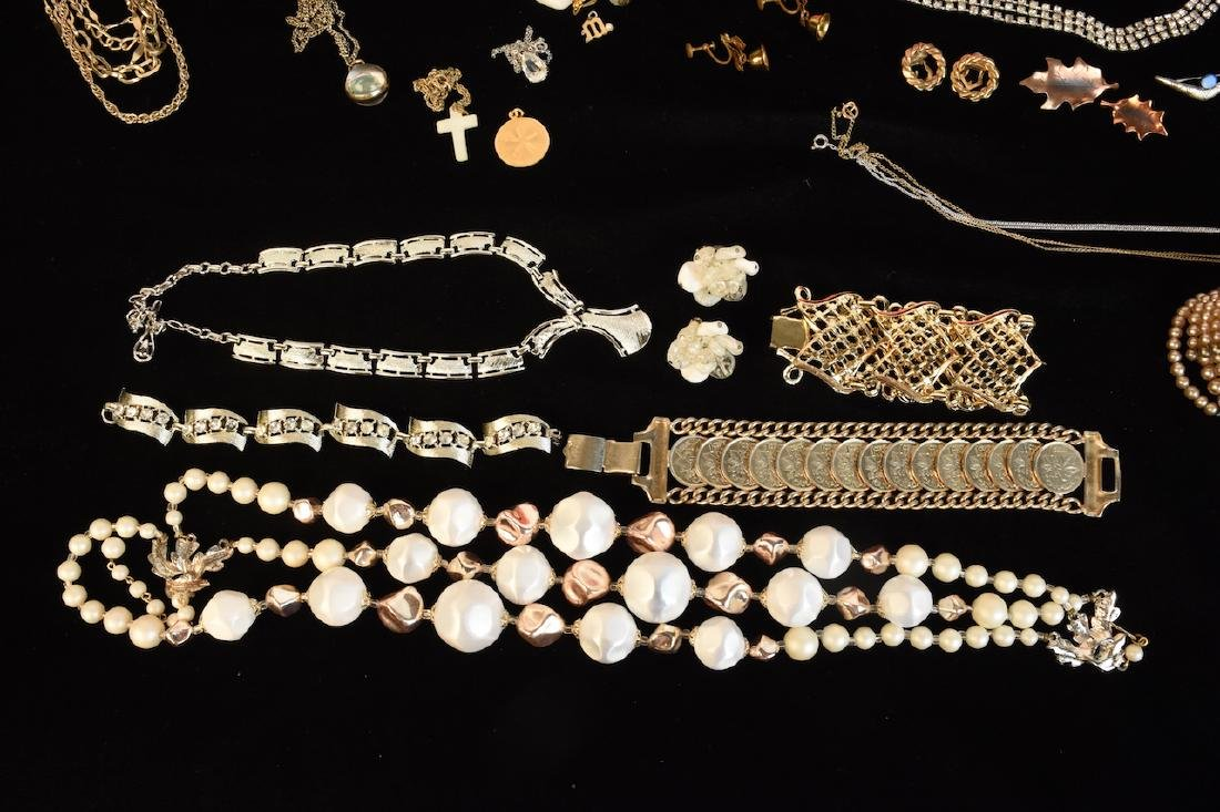 Costume Jewelry, Several Designer Signed Pieces - 10
