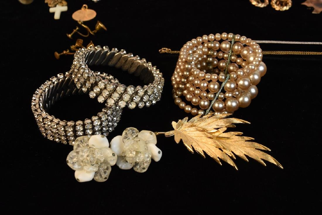 Costume Jewelry, Several Designer Signed Pieces - 9