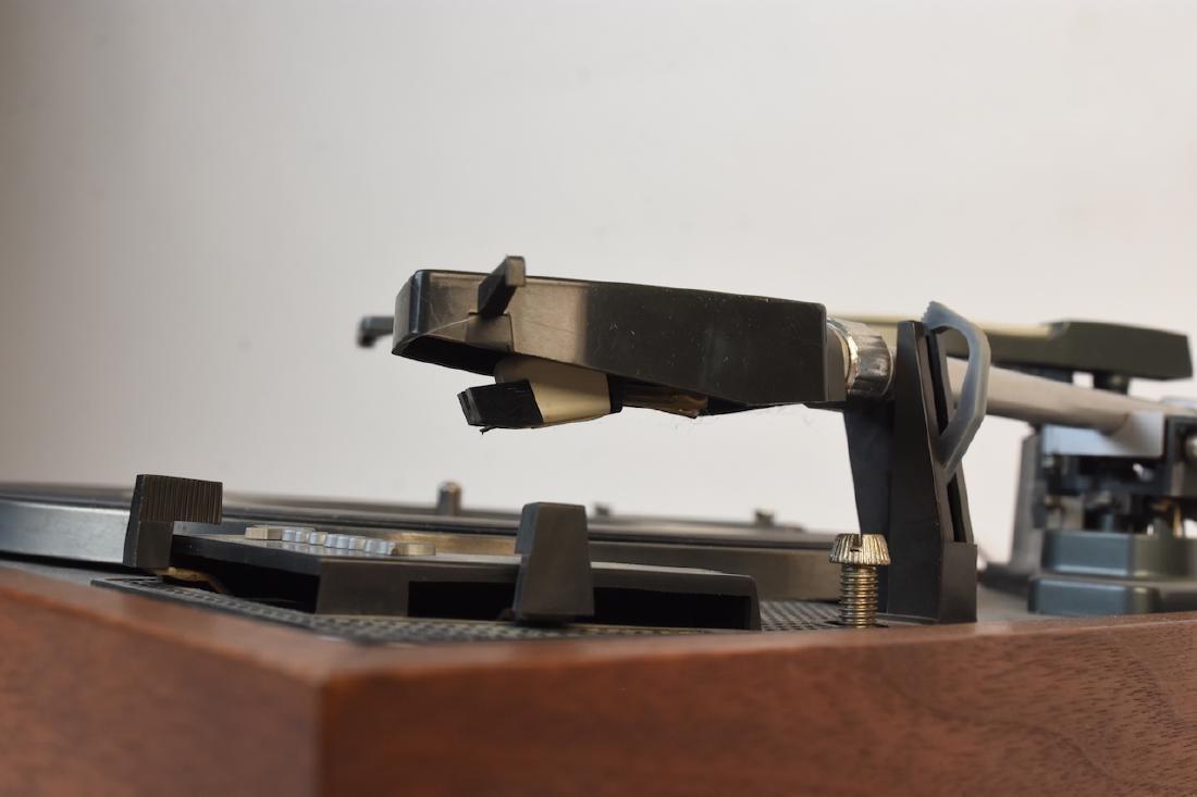 Vintage Garrard AT 60 Turntable - 5