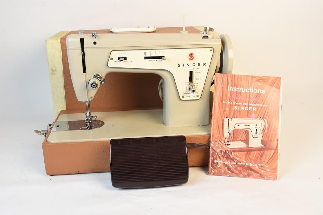 Singer Model 237 Zig-Zag Sewing Machine