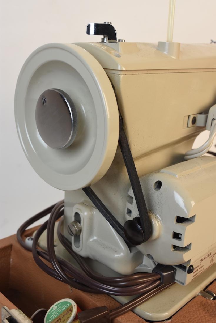 Singer Model 237 Zig-Zag Sewing Machine - 8
