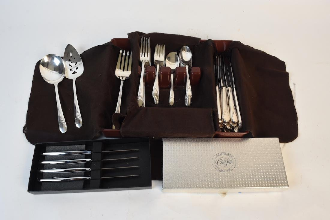 WM Rogers MFG Co. Flatware and Carvel Knives