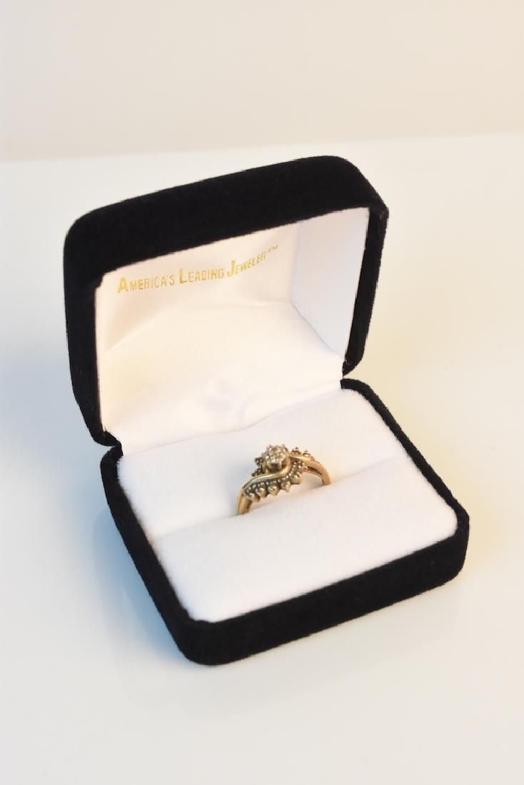 10K Yellow Gold Diamond Ring; 3 g.