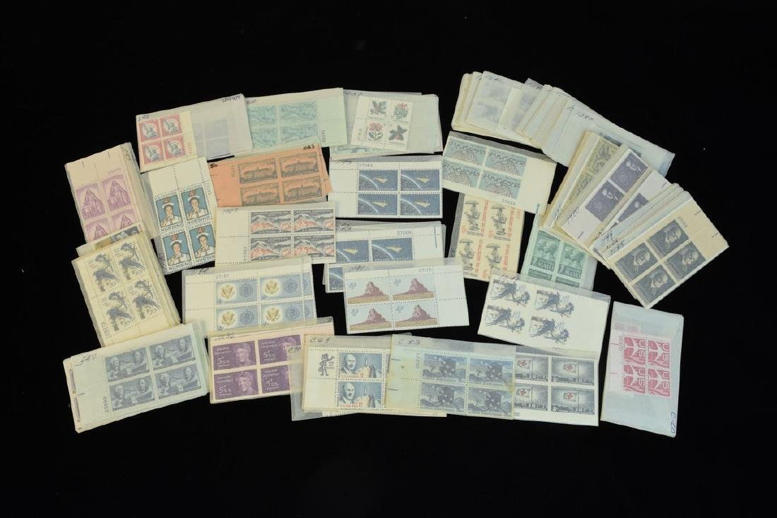 800 +/- Blocks, Doubles & Single US Stamps - 6