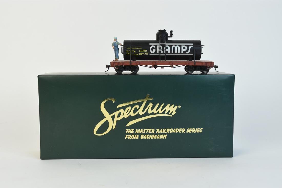 """Bachmann Spectrum #27145 """"Gramps"""" On30 Tank Car"""