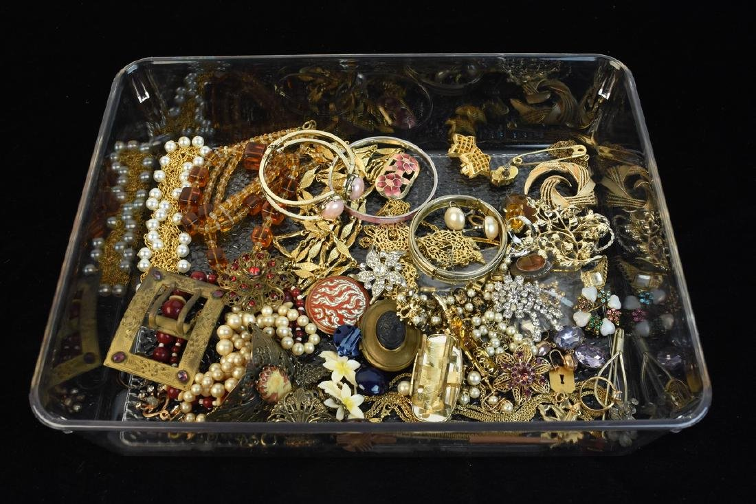 Costume Jewelry; Trifari, Lisner, Monet +
