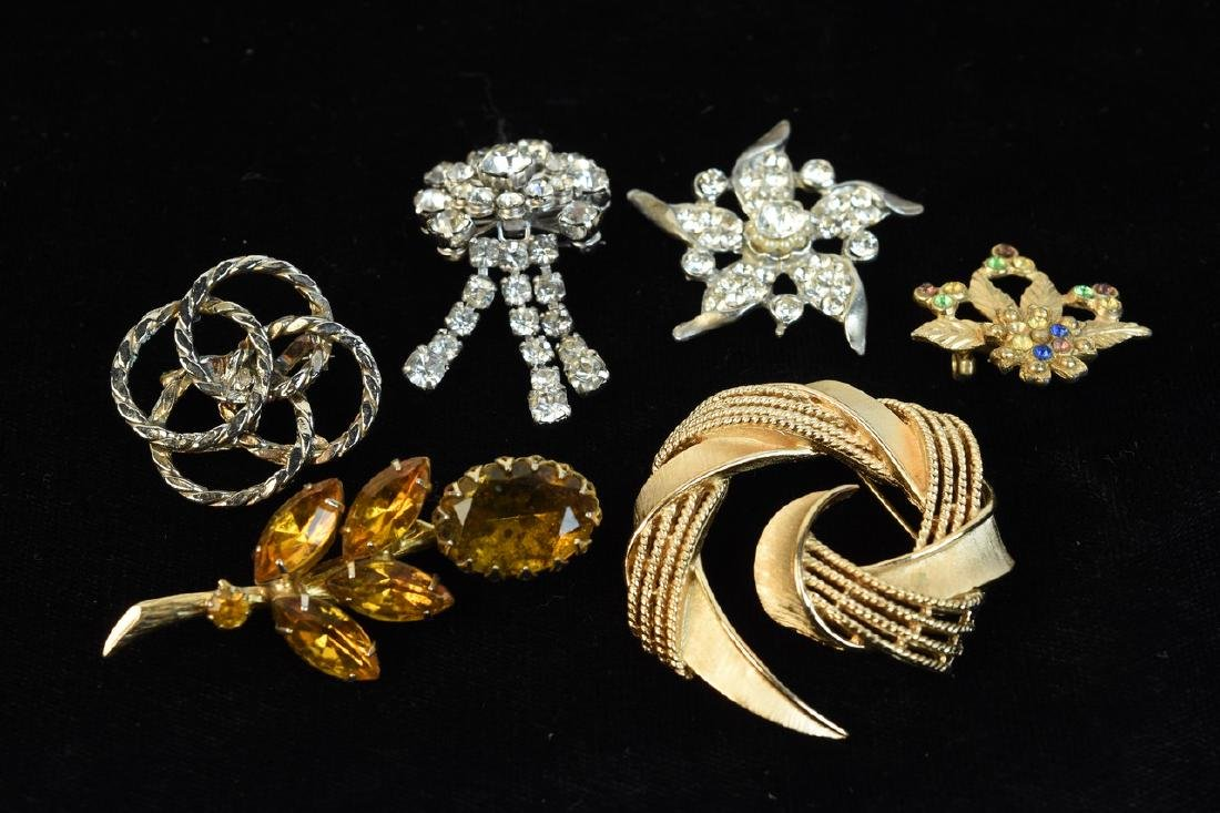 Costume Jewelry; Trifari, Lisner, Monet + - 4