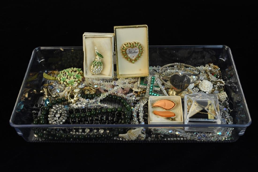 Vintage Costume Jewery, Crystals, Brooches +