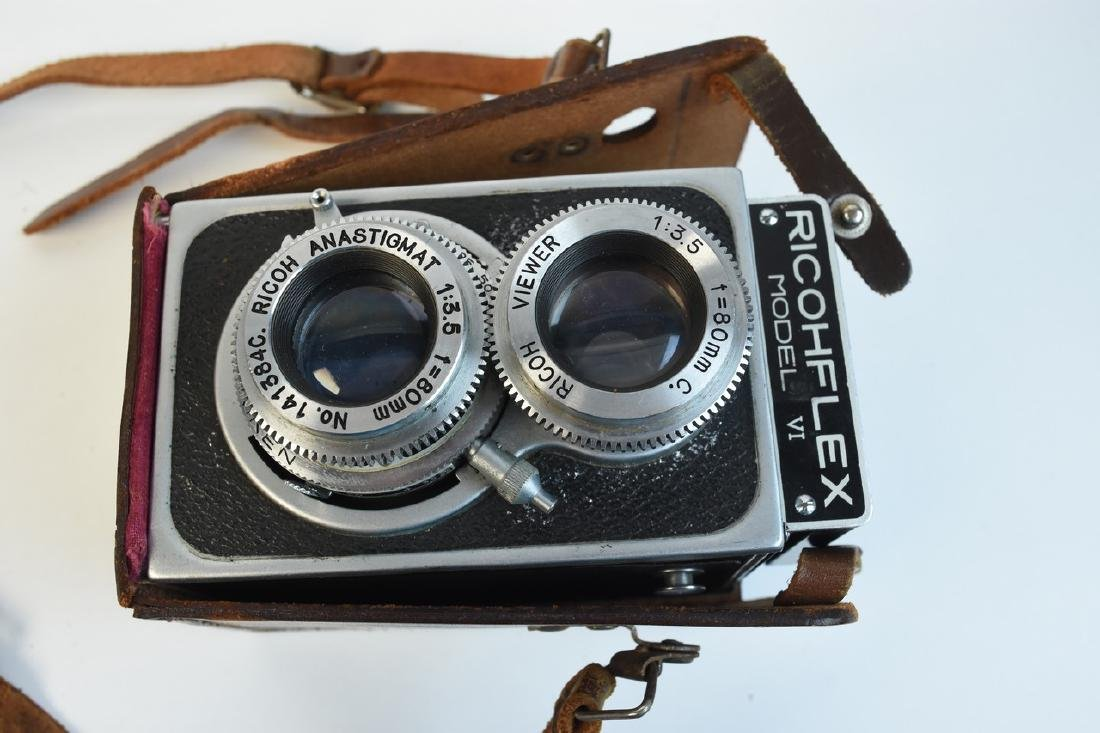 Variety of Vintage Photography Cameras & Accessories - 10