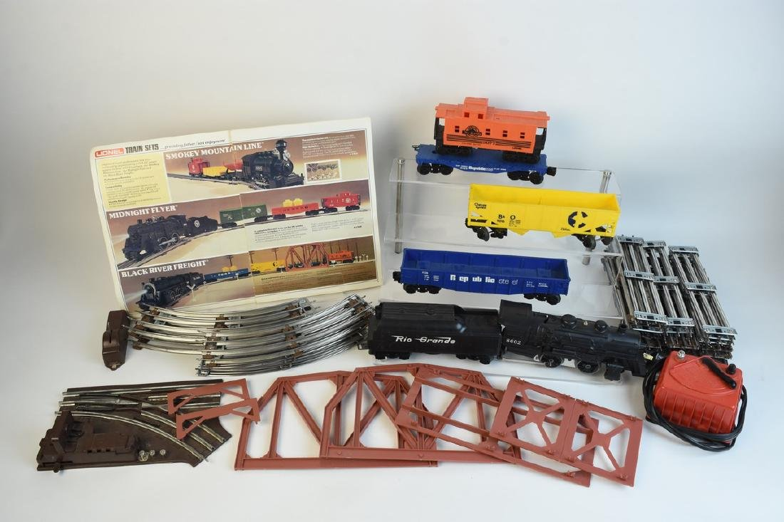 Lionel Train Set With Engine, Cars, Track +