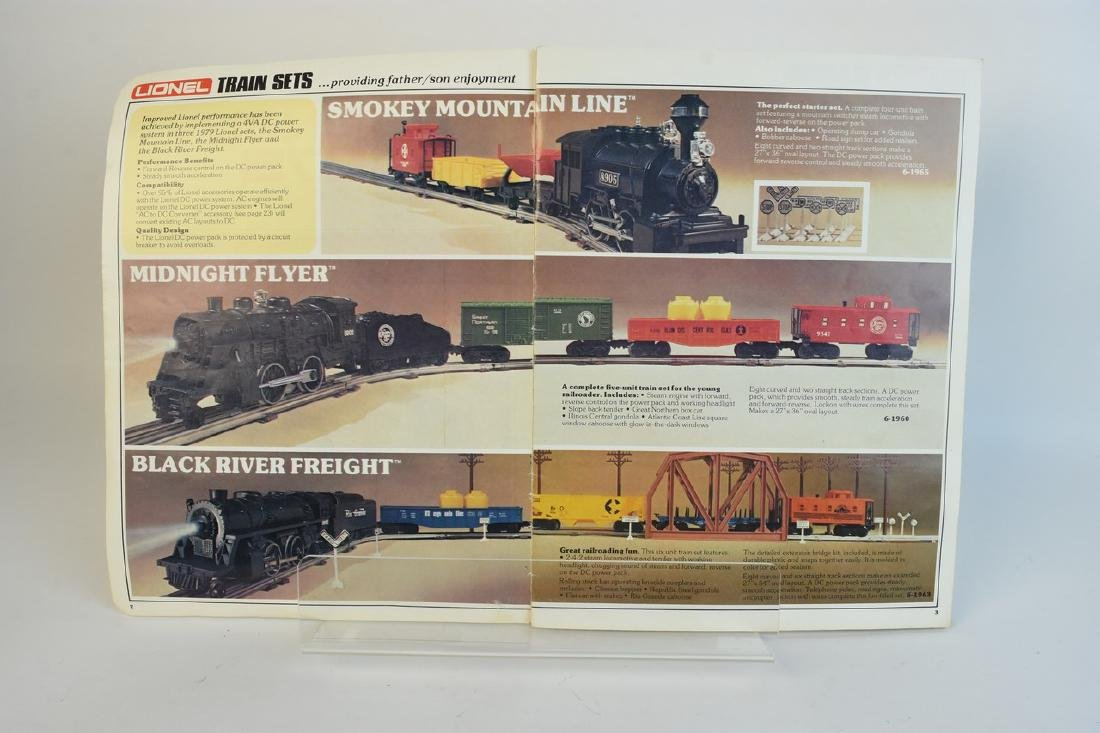 Lionel Train Set With Engine, Cars, Track + - 8