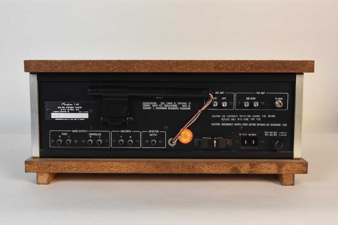 TEAC Accuphase T-100 AM/FM Stereo Tuner - 5