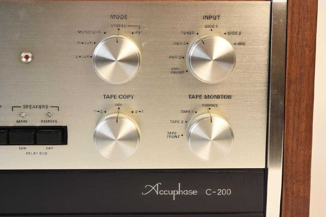 TEAC Accuphase C-200 Stereo Control Center - 6